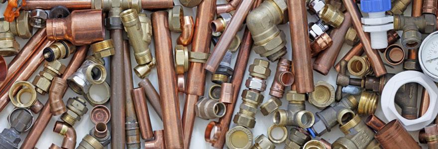 Fuite d'eau, chauffe-eau en panne, les problèmes de plomberie peuvent entraîner des dégâts importants sans l'intervention en urgence d'un plombier paris.