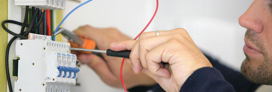 Choisir un artisan pour vos travaux d'électricité